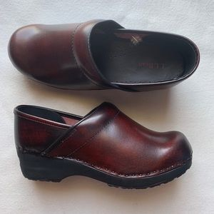 NEW LL Bean Burgundy leather comfort shoes size 8